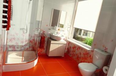 Dobrze urządzona mała łazienka