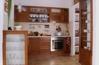 Kolor ścian do mebli kuchennych wiśnia