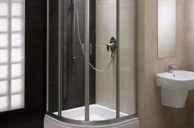 Trawertyn i piaskowiec w łazience