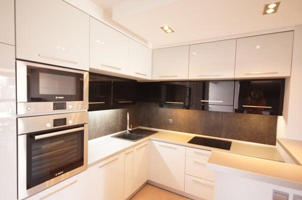 Biało czarna kuchnia  Kuchnia -> Kuchnia Bialo Czarna Z Oknem