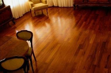 Czy drewno jatoba nadaje się na podłogę w salonie?