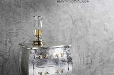 Srebrne i złote farby – szybka aranżacja w stylu glamour