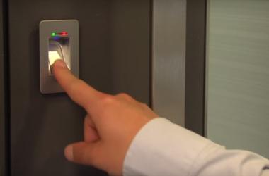 Drzwi bez klucza – biometria na wejściu