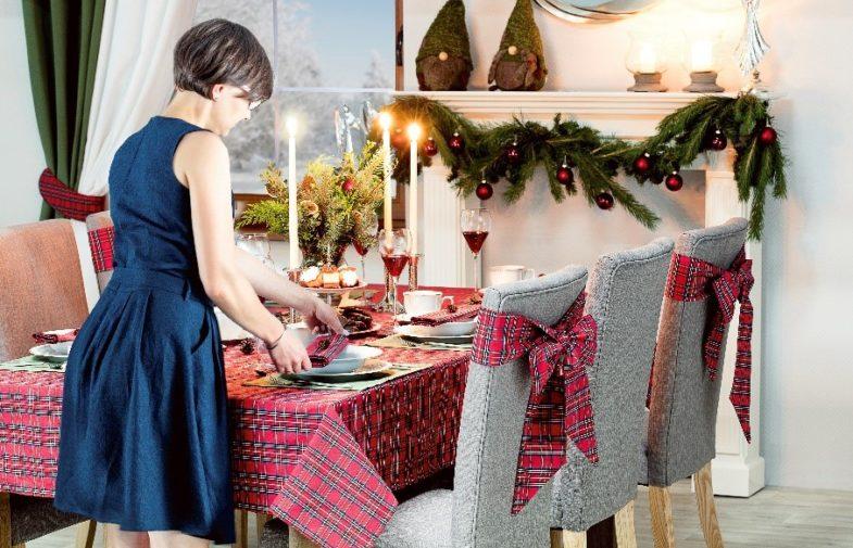 Stół i światło – dekoracje bożonarodzeniowe