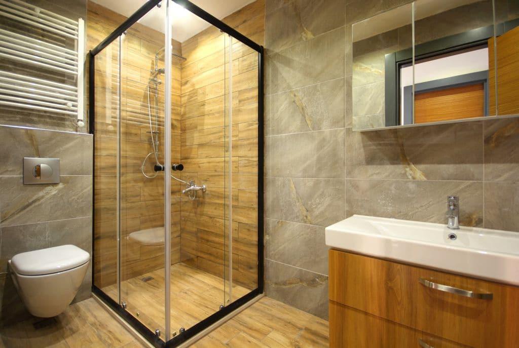 Kabina prysznicowa z odpywem z podłodze