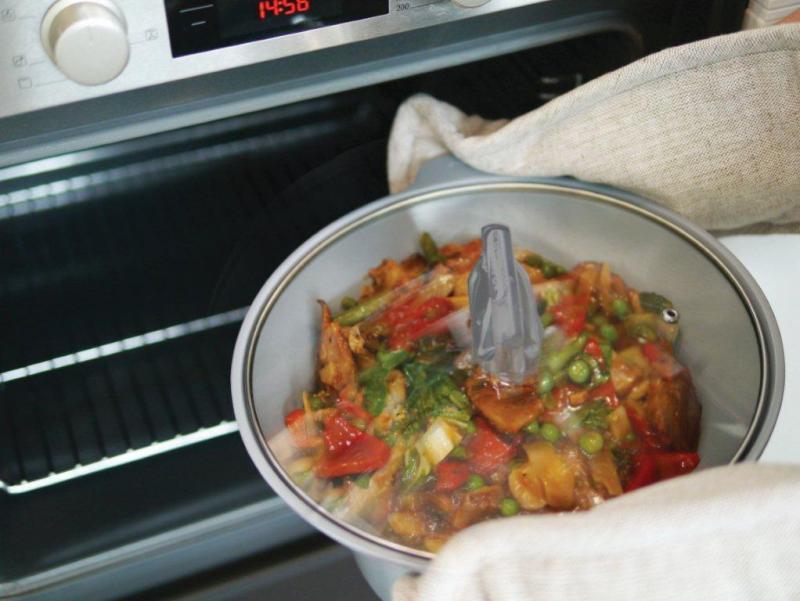 Wkład z wolnowaru Crock Pot nadaje sie jako naczynie do pieczenia w piekarniku