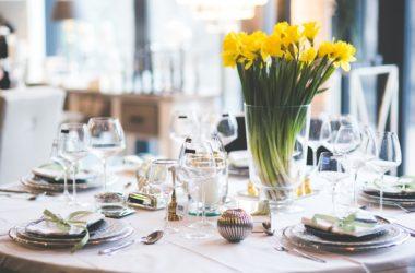 Stół wielkanocny – nietypowy z klasycznymi elementami