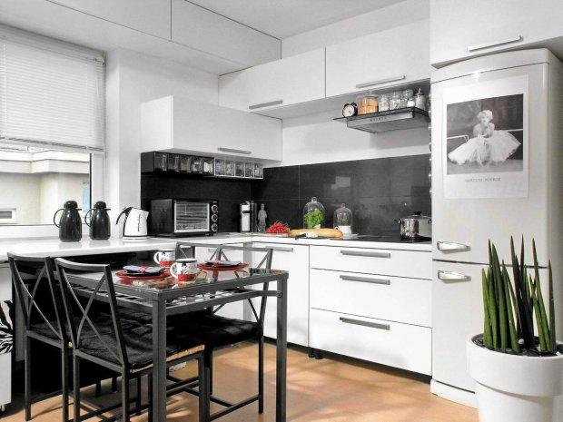 Kuchnia na Wymiar w Białym Lakierze  Meble PAREDA