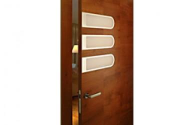 Modne drzwi do pokoju, czyli drewno i szkło