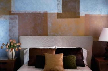 Wzmocnij farbę na ścianie metaliczną bejcą