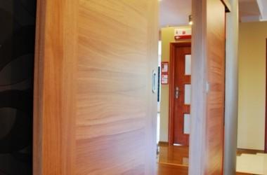 Gdy chcesz zamontować drzwi przesuwane bez remontu