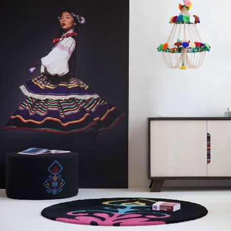 meble z kolekcji NewFolk, Meble Vox, tkaniny zdobione haftem