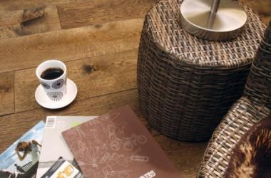 Dąb starzony – podłoga stara od nowości