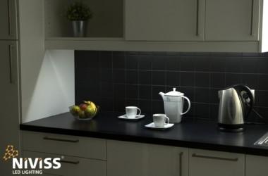 Wodoszczelne paski LED do kuchni zamiast halogenów