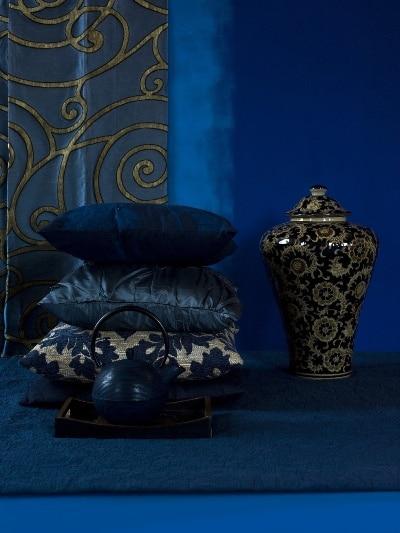 Kolor indygo w zestawieniu z ornamentami, farba Tikkurila Optiva