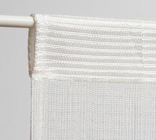 mocowanie zasłonki sznurkowej na drążku