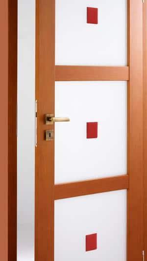 Drzwi Invado z aplikacjami szklanymi