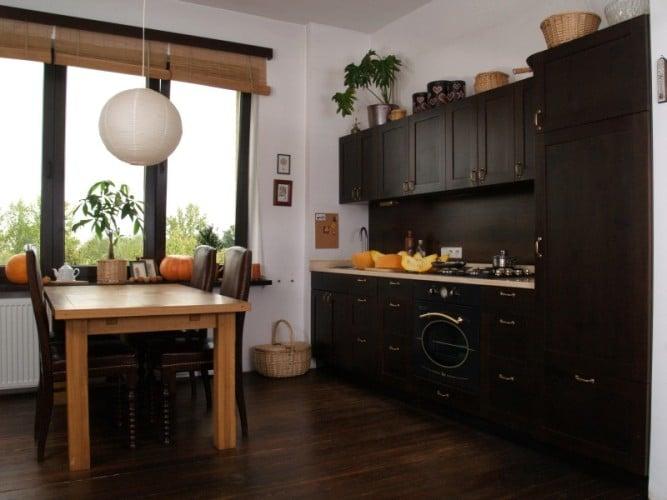kuchnia w drewnie jak kredens