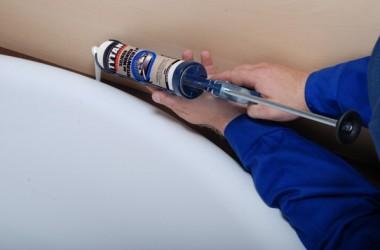 Jak uszczelnić akrylową wannę?