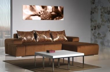 Narożnik rozkładany – brązowy na tle szarych ścian