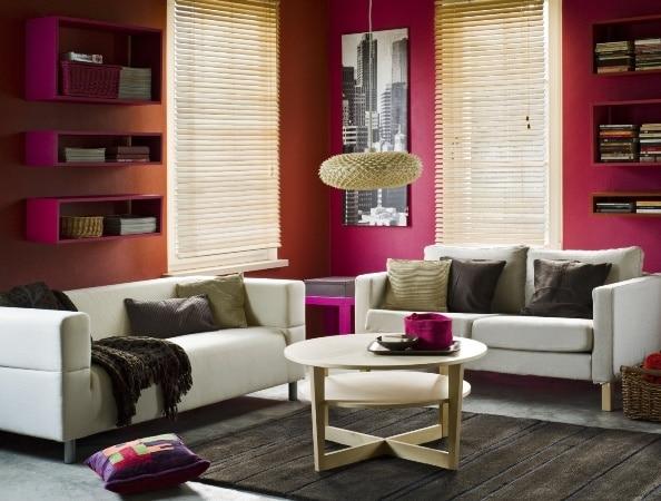 Amarant w pokoju dziennym, farby Tikkurila