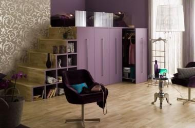 Fioletowe ściany – jaka podłoga?