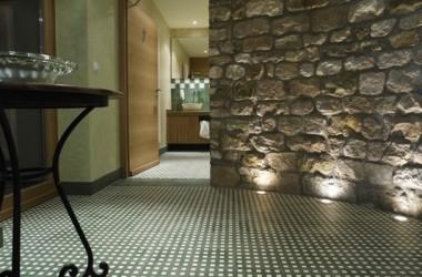 Renesans płytek cementowych na podłogę
