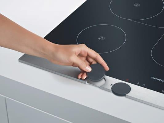 Płyta Siemens sterowana pokrętłami - łatwo je zdjąć np. do mycia