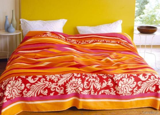 Narzuta w kolorach lata - do kupienia www.calvado.pl (219 zł)