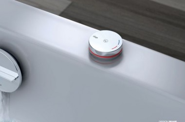 Elektroniczna armatura w wannie