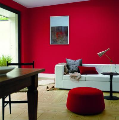 Pokój z czerwoną ścianą - Dulux