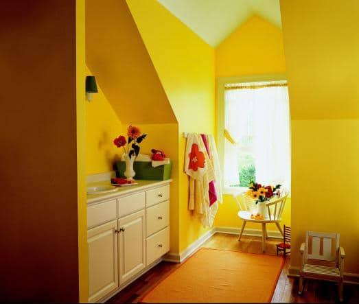 Kuchnia ze skosami - podkreślone żółtym kolorem