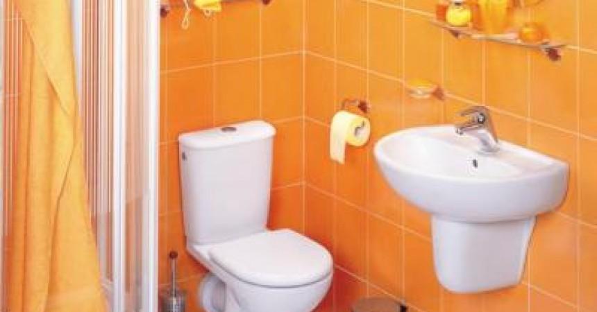Łazienka 6 m2 z wanną i prysznicem