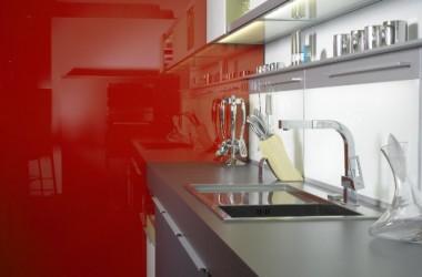 Szkło lacobel w kuchni i w łazience