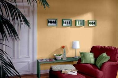 Kolor ścian do bordowej sofy