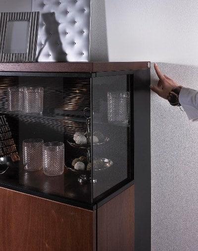 Kolekcja JUST - wyłącznik sensorowy do oświetlenia wewnątrz szafek