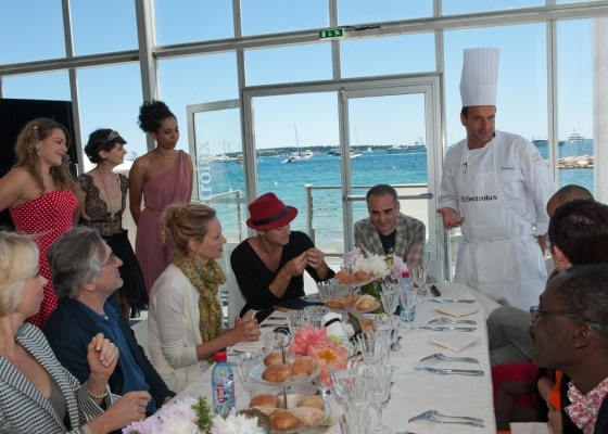 Cannes - francuski kucharz Jury Festiwalu, któremu przewodniczył Rober de Niro