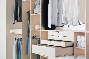 Dobrze urządzona garderoba