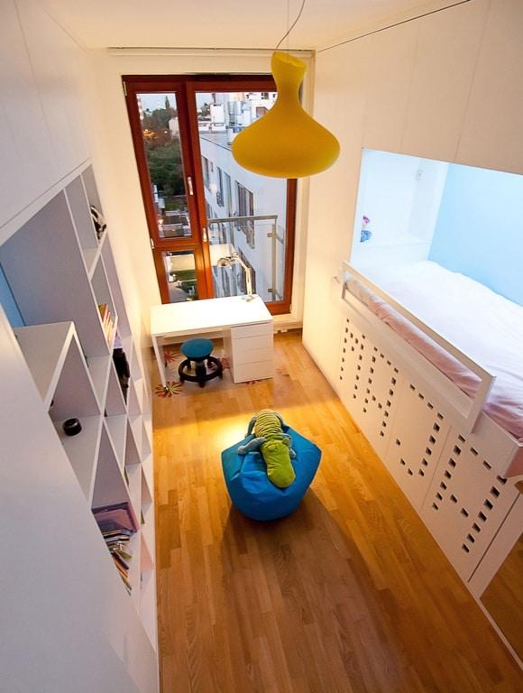 Pokój dziewczynki - biel i błękit