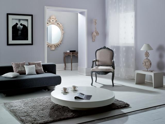 Wnętrze w stylu glamour. Na ścianach farba Akrylit W z kolekcji Dekoral Fashion