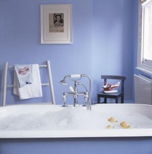 Łazienka pomalowana farbą do Kuchni i Łazienki. Dulux