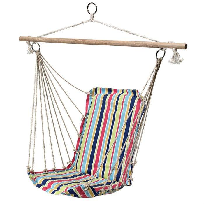 Hamak, a jednocześnie krzesło.Dobry pomysł na balkon, bowiem nie zajmuje tak dużo miejsca jak typowy hamak. Max obciążenie 100 kg. Cena 49,99 zł. Do kupienia Jula.pl