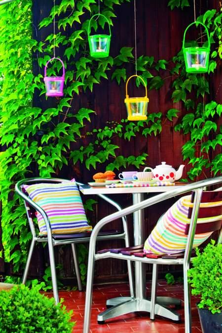 Komplet mebli ogrodowych z aluminium i drewna. Do kupienia - Praktiker.