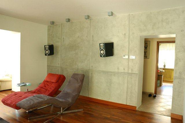 Beton na ścianie - dobry pomysł do bardzo nowoczesnych wnętrz. Wykonanie Top Kolor