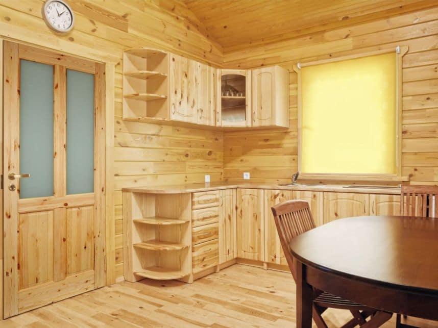Drzwi sosnowe – tanie i efektowne  Drzwi w mieszkaniu -> Kuchnia Z Sosny