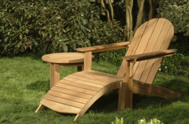 Lakierowanie drewnianych mebli ogrodowych