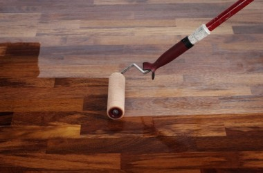 Samodzielne lakierowanie podłóg drewnianych