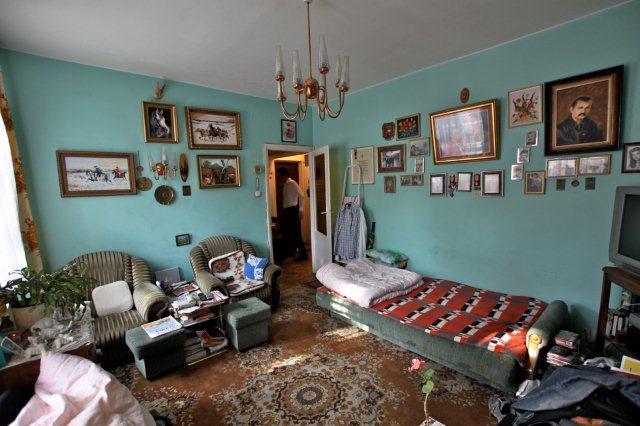 Sypialnia przed zmianami i sprzątaniem