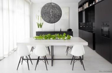 Biel i czerń w mieszkaniu – klasyka