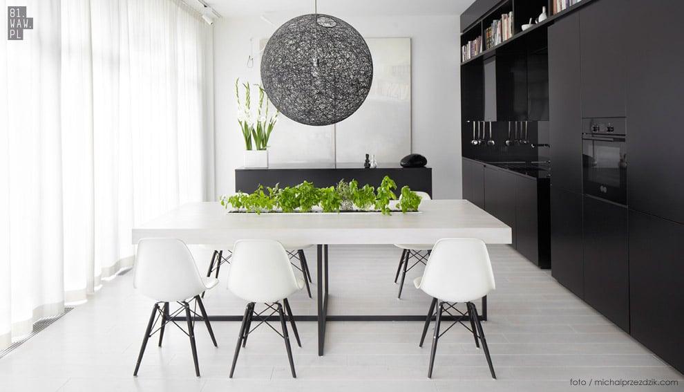 Apartament 130 metrów kw. urządzony w dwóch kolorach - czerni i bieli